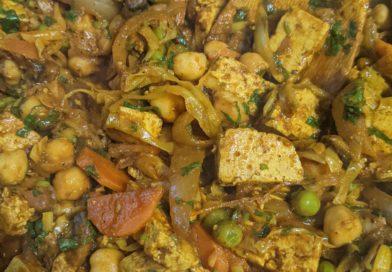 תבשיל ירקות, קטניות וטופו